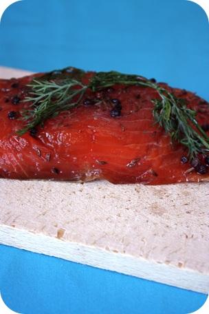 saumon gravlax, juste après avoir mariné 24 heures